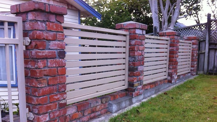 21  Fences and hoardings | Building Performance